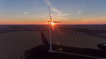 Starbucks Powers Illinois Locations with 100% Renewable Energy