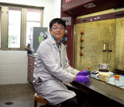 Researchers Investigating a Renewable Solvent for Biofuel Production