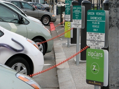 Study Shows Consumers See Huge Difference in Plug-In Hybrid vs. Battery-Electric Vehicles