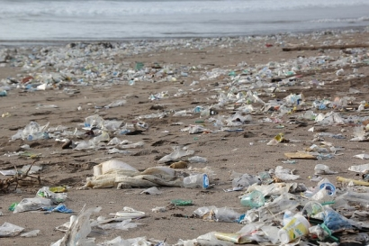 How Renewable Energy Can Reduce Plastic Pollution