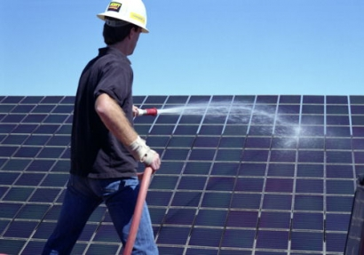 Australia's Wind and Solar Resources to Generate Renewable Energy for Indonesia