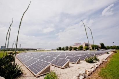 UT Austin Develops Single-System Solar Energy Storage Technology
