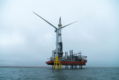 Powerful Single Wind Turbine Installed in Aberdeen Bay