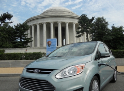 Bill That Would Have Gutted Tax Credits for Renewables, EVs, Stalls in Senate