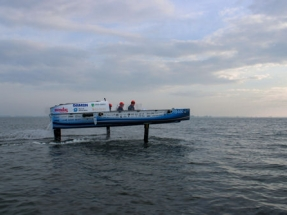 First Hydrogen-Powered Hydrofoil Ready for World Championships