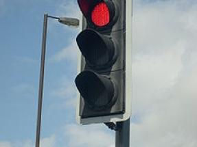 Moscow Installs First Traffic Light Using Solar Power