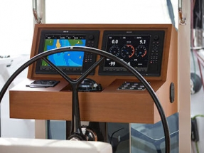 Elan Sailboat Outfitted with Torqeedo Deep Blue Hybrid Electric Drive