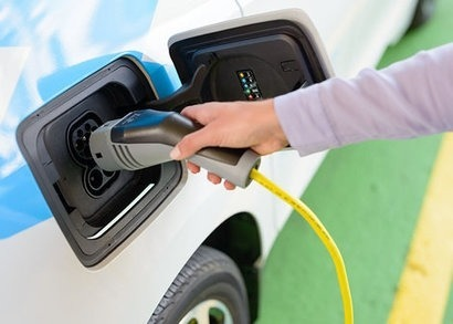 Alpiq and Groupe E merge their charging networks for electric vehicles