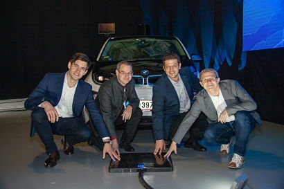 lab10 Collective and partners demonstrate world's first fully automated electric vehicle charging and blockchain based payment system