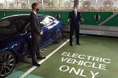 Govia Thameslink Railway opens largest electric vehicle charging hub in UK rail sector