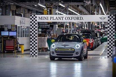 Mini Plant Oxford hits 11,000 Mini Electric milestone