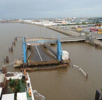 Investments in port facilities could help offshore wind cut costs by 5.3 percent according to WindEurope