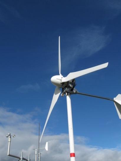 Stuttgart University tests natural fibre wind turbine blades