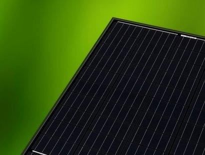 pv rec begins commercial production of new all black multicrystalline solar panel renewable. Black Bedroom Furniture Sets. Home Design Ideas