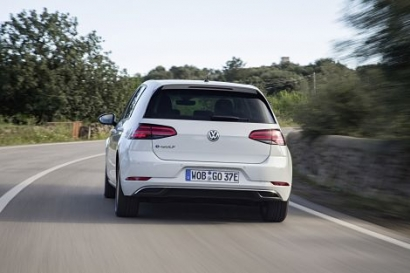 Volkswagen and Uber launch piloto project with EVs in Berlin