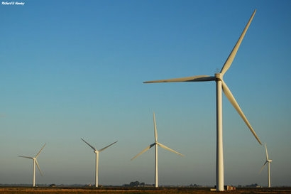 ACWA Power signs three agreements for independent wind power project in Azerbaijan
