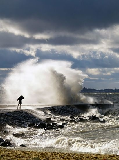 Evidence-based assessment shows marine energy can pass the UK Government's 'Triple Test'
