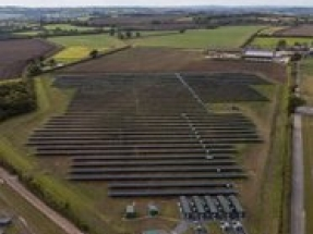 UK Climate Change Minister opens Britain's first subsidy-free solar farm