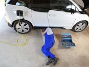 UK Motor Ombudsman announces introduction of new search facility for EV servicing and repair