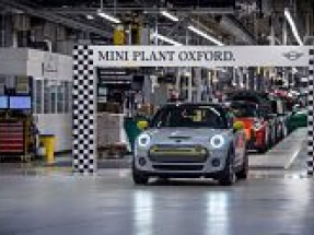 Mini Plant Oxford hits 11,000 Mini Electric milestone