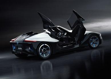 Nissan develops stylish 'Bladeglider' EV