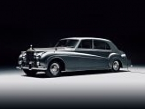 Lunaz unveils world's first electrified classic Rolls Royce