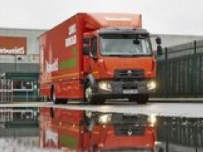 Warburtons first 16 tonne 100% electric truck goes on the road