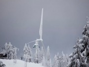 Unusual weather patterns chill and still wind farms in US, Canada