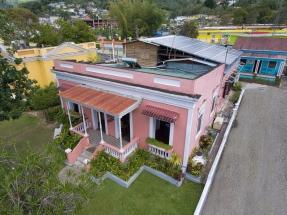 Huracán María: Premian a una empresa por proyectos comunitarios de energía solar