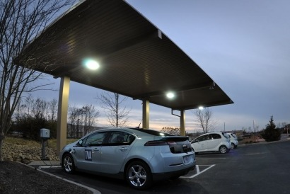 Tennessee Valley Authority, EPRI build prototype solar-assisted EV charging station