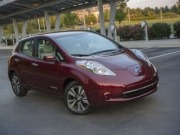 Nissan LEAF earns IHS Automotive Loyalty Award for the second year