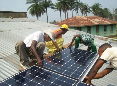 Facebook, Microsoft and investment firm get into renewable energy financing