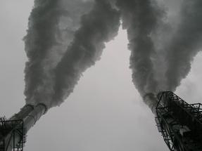 Gobierno y empresarios del sector acuerdan no construir nuevas plantas eléctricas a carbón