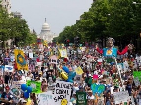Tens of Thousands March to Protest Trump Climate, Energy Policies